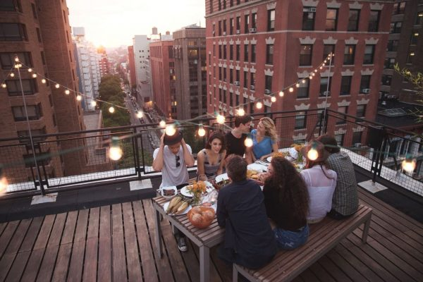 Hanging-String-Lights-On-Rooftop